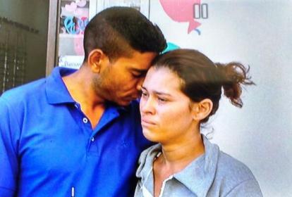 Ramón Delgado y Jennifer Goitia están desconsolados.