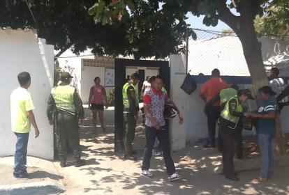 La captura del hombre con el dinero se produjo en la Institución Educativa Distrital Alfonso López.