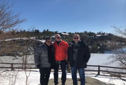 Los gobernadores Eduardo Verano del Atlántico y Dumek Turbay de Bolívar en compañía del director ejecutivo del Open Space Institute, Kim Elliman.