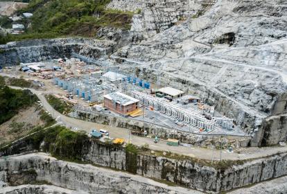 Aspecto de la planta que se construye en la zona de la hidroeléctrica.