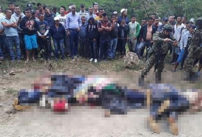 Los siete cadáveres fueron dejados en una vía que comunica a los corregimientos de El Sinaí y El Mango.