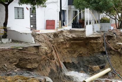 La terraza de la casa blanca fue una de las que cayó al vacío durante la lluvia, en la calle 39 con la 17.