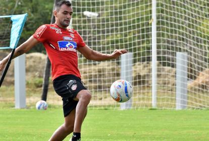 Marlon Piedrahíta, quien se encontraba en departamento médico, ya está recuperado y jugará en Junior contra el equipo en el cual debutó profesionalmente.