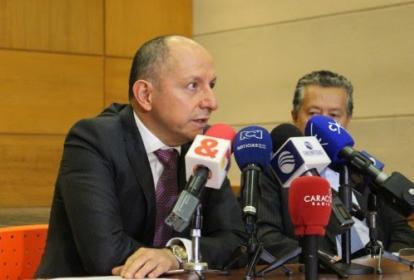 Néstor Orlando Arenas, presidente de Medimás EPS, y José Joaquín Bernal, abogado y representante legal de Prestnewco S.A.S.