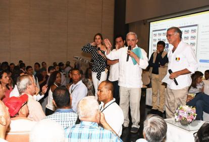 El senador Álvaro Uribe Vélez en su intervención.