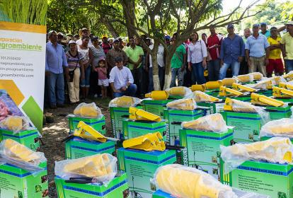 El objetivo es el fortalecimiento de las capacidades productivas y la generación de ingresos a pequeños productores.