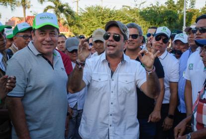 El alcalde Alejandro Char durante el evento de reapertura de la Unidad Deportiva y Recreativa Carlos 'el Pibe' Valderrama.