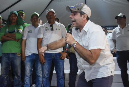 El alcalde durante la reapertura de la Unidad Deportiva Pibe Valderrama.