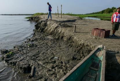 Así se encontraba la semana pasada el puerto de Ponedera, tras los descensos del río Magdalena.