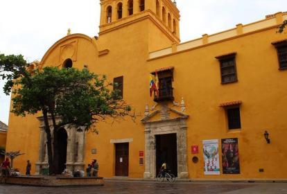 Fachada del consulado de España en el centro de Cartagena.