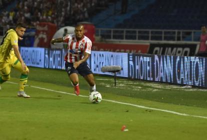 Fredy Hinestroza en acción durante el juego.