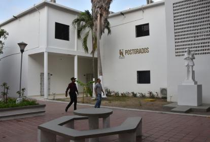 El edificio de posgrados de la Universidad del Atlántico está en la sede de la 43.