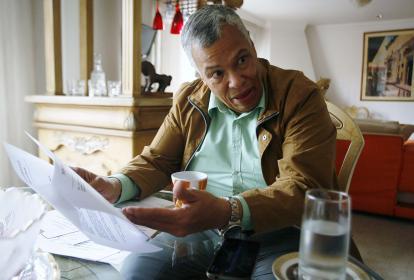 El abogado José Manuel Abuchaibe en la entrevista con EL HERALDO en el comedor de su casa en el norte de Bogotá.