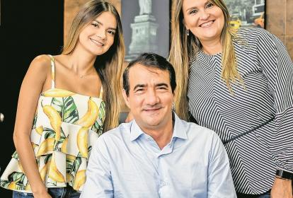 Carolina Otero,  Carlos Otero y Martha de Otero.