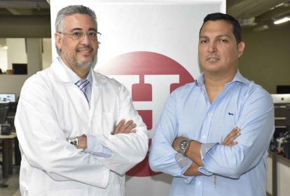 Los médicos Carlos Rebolledo y Carlos Danetra.