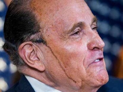 Giuliani sudando petróleo: culpa a Maduro de manipular elecciones en EEUU