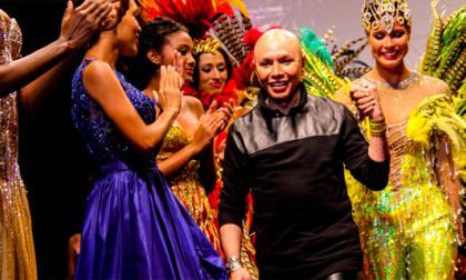 Alfredo Barraza se resume en 24 vestidos de gala
