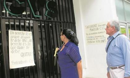 CAR de Córdoba, semiparalizada  por protesta de empleados