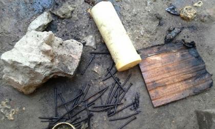 Menor manipula tubo con pólvora negra y resulta quemado