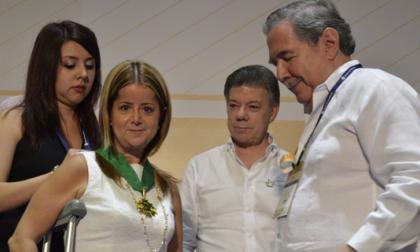 Alcaldesa de Barranquilla fue condecorada con Medalla Nacional al Mérito de Fenalco