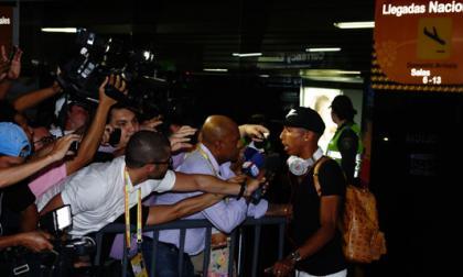 Johan Mojica al llegar a Barranquilla, en el aeropuerto.