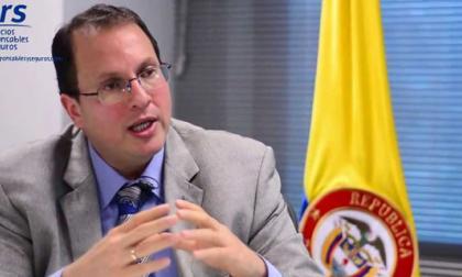 Renuncia el director de la Unidad de Información y Análisis Financiero