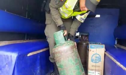Cae gasolina de contrabando en cilindros de gas