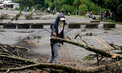 Defensoría llama a dialogar al Gobierno y a líderes de paro agrario