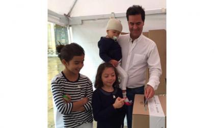 Frank Pearl votó acompañado de sus tres hijas