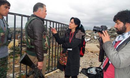 La periodista de la BBC Hatice Kamer fue detenida por las autoridades turcas mientras informaba sobre un accidente en una mina de cobre, en la región de Siirt.
