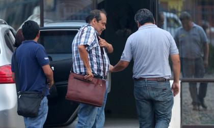 Fiscales bolivianos detienen al director general de la aerolínea Lamia