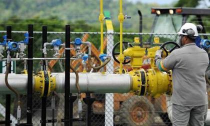 """""""Se gravará el combustible más limpio y se dejará libre al más contaminante"""": Naturgas"""