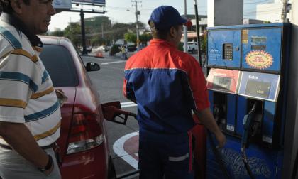 Principio de acuerdo para superar lío por sobretasa de la gasolina
