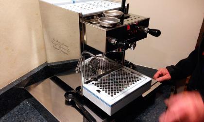Esta es la nueva cafetera donada por el actor Tom Hanks que fue instalada en el área de cocina para la Casa Blanca.