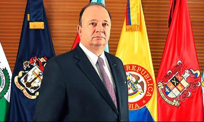 Ministro de Defensa responde a carta de excomandantes del Ejercito