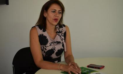 La directora seccional Atlántico de la Dian, Nancy Holguín Medina, durante su visita a EL HERALDO.