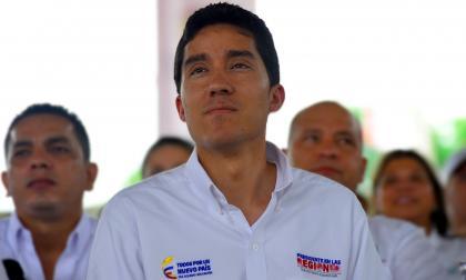 Santos posesiona al director del DNP, el superfinanciero y codirector del Banrepública