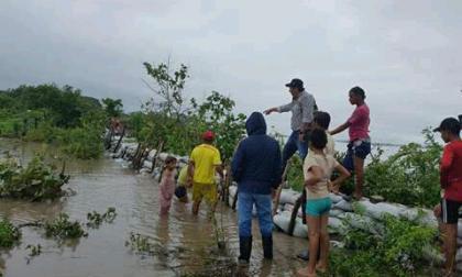 El río Magdalena rompió muro en área rural de El Banco y causó inundación