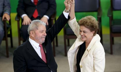 Lula y Dilma Rousseff también son acusados de recibir sobornos