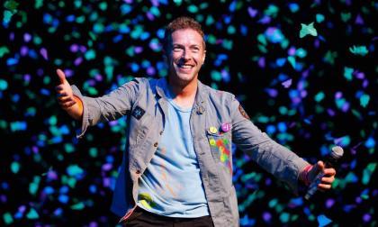 Chris Martin anuncia participación de Shakira en el Global Citizen bailando