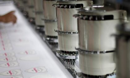 Aspecto de los equipos de producción de una empresa de textiles y confecciones.