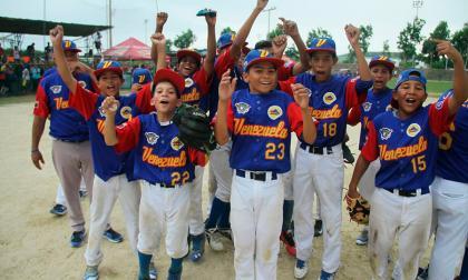 Selección de Venezuela obtiene el paso a la final en el Latinoamericano de béisbol