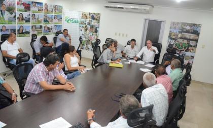 Gobernador Franco Ovalle, en reunión con algodoneros y alcaldes de Codazzi, San Diego, Becerril y Aguachica.