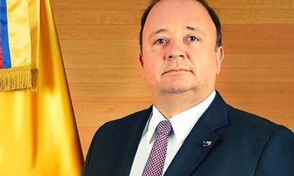 Luis Carlos Villegas, mindefensa