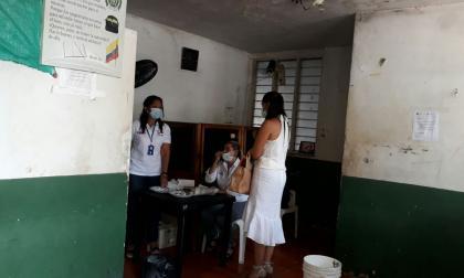 """Alerta sanitaria en estación de Policía tras muerte de recluso  por """"meningitis"""""""