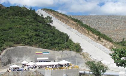 Panorámica de la represa del río Ranchería ubicada, en el municipio de San Juan del Cesar, La Guajira.