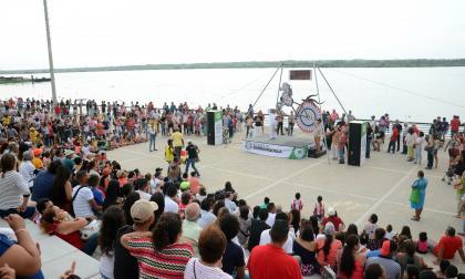 Festival Internacional de Cuenteros: El Caribe Cuenta, en el malecón.