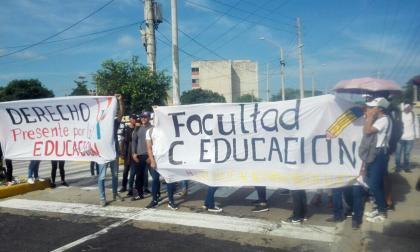 Uniatlántico protesta por recorte de recursos a la educación 2018