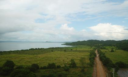 Foto tomada con dron que muestra la vía que es construida por la Gobernación.