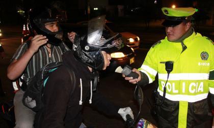 Expiden reglamento para alcoholímetros de la Policía